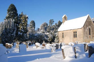 Old-church-snow-50